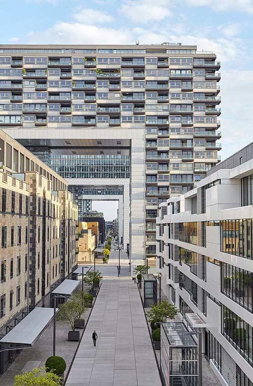 Fotograf-in-Frankfurt-Businessfotografie-Business-Portraits-in-Frankfurt